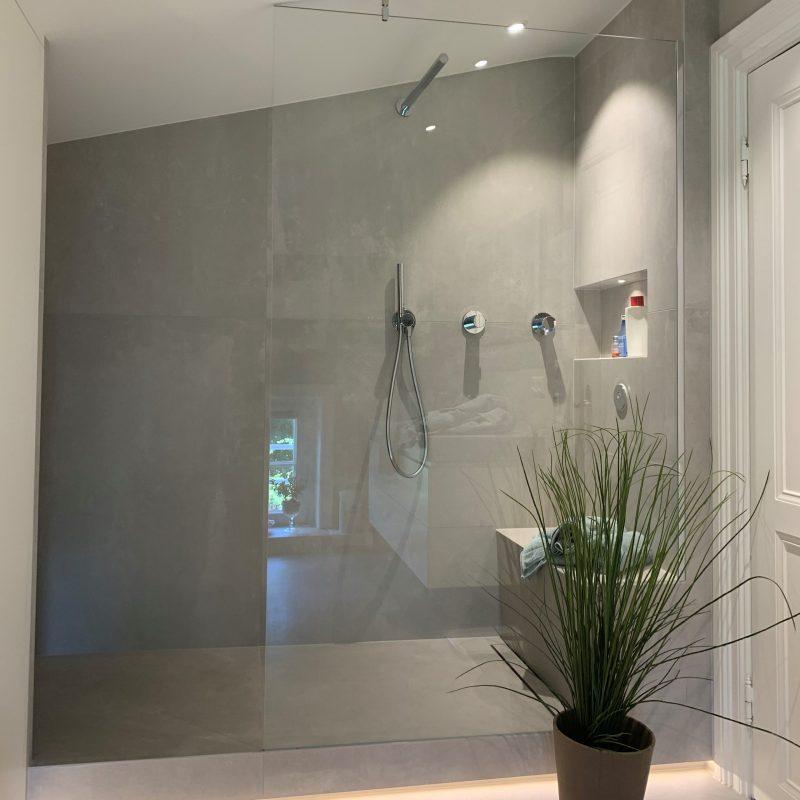 Referenz - Altersgerechtes Badezimmer mit Stil in Blankenese -01- nachher