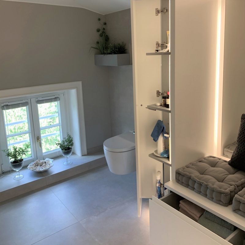 Referenz - Altersgerechtes Badezimmer mit Stil in Blankenese -02- nachher