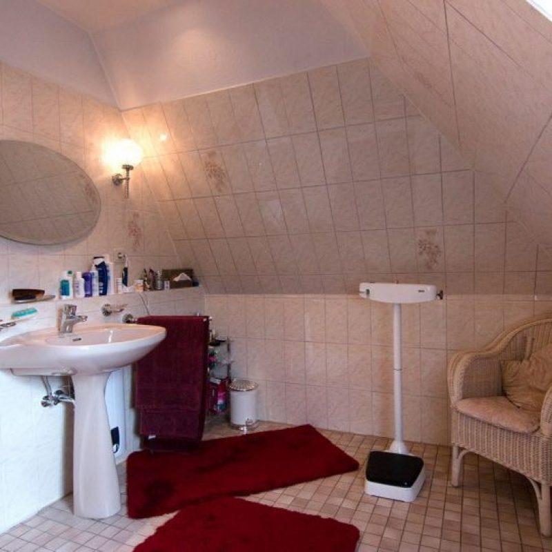 Referenz - Dachgeschoss-Badezimmer in Hamburg Wentorf -03- vorher