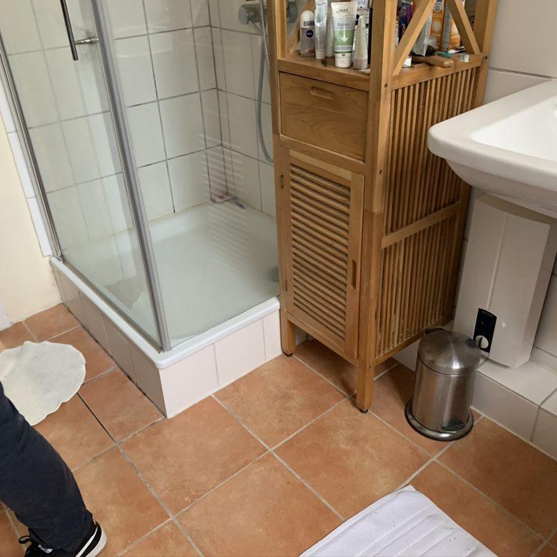 Referenz - Ein Bad im Hamburger Osten im Stil der Jahrhundertwende -01- vorher